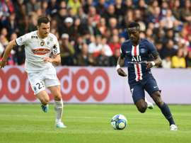 Idrissa Gueye shared a dressing room with Hazard at Lille. EFE