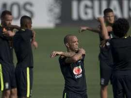 Diego Tardelli (c) lors dune séance dentraînement avec l'équipe du Brésil. AFP