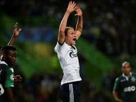 El ex del Schalke, lesionado. AFP