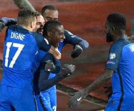 Le milieu de terrain des Bleus Blaise Matuidi (c) après son but contre la Bulgarie. AFP