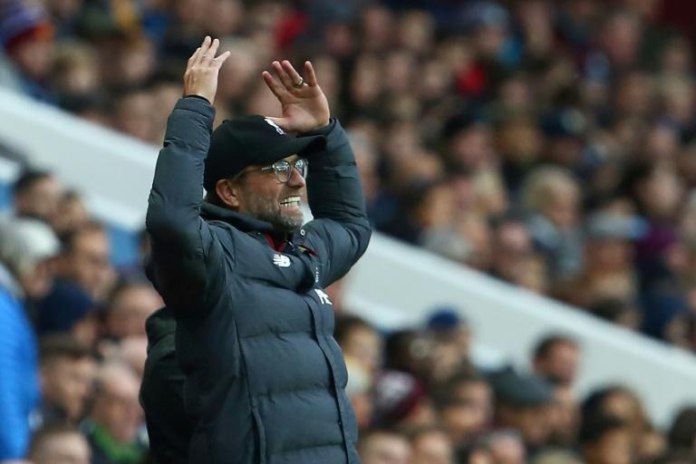 La pesadilla que vivió Bravo en el primer tiempo ante Liverpool