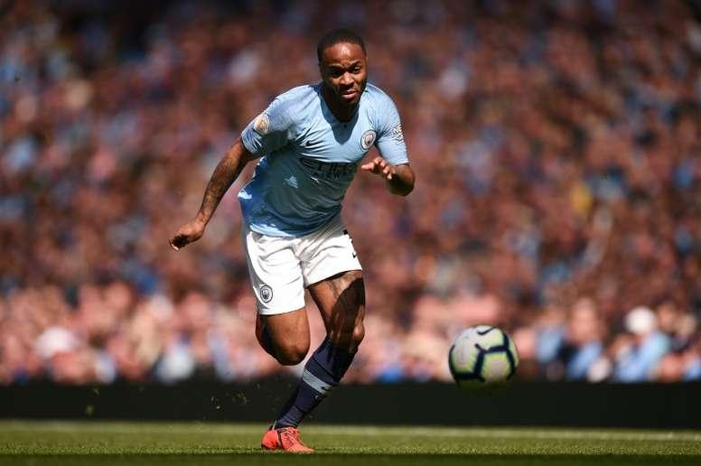 Sterling tem ideias para acabar com o racismo no futebol. AFP