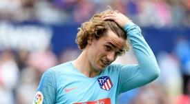 Griezmann acabó como lateral izquierdo en su último partido con el Atlético. AFP