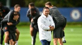 Lampard cree que es el mejor sistema para la Champions. AFP
