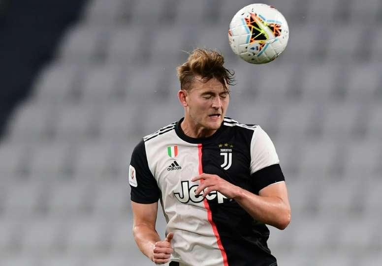 Van Basten commenta la prima stagione di De Ligt. AFP