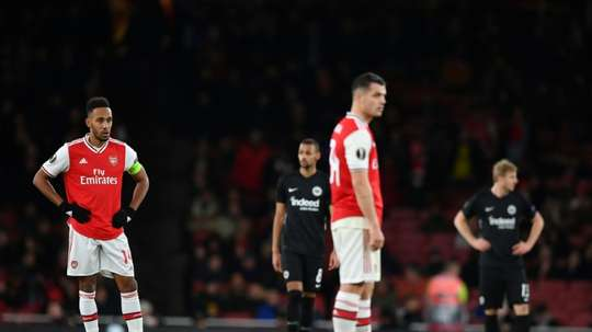 Aubameyang went to the bathroom during the game. AFP/Archivo