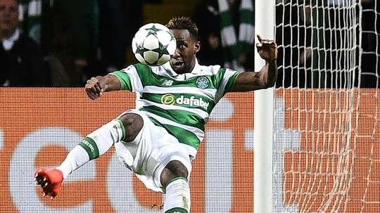 El futbolista del Celtic se retiró en el minuto 27. AFP