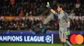 Casillas não poderá voltar a calçar as chuteiras. AFP