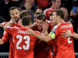 Les Suisses fêtent un de leurs 5 buts face à la Hongrie, le 7 octobre 2017 à Bâle. AFP