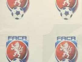 Le président de la Fédération tchèque de football Miroslav Pelta en conférence de presse. AFP