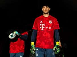 E o Bayern não dá o braço a torcer com Neuer. AFP