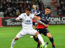 Choc Lille-Lyon au sommet, Paris sans Ney, les fans reconfinés. AFP