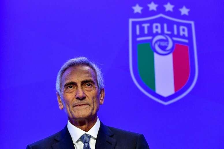 Gabriele Gravina, presidente da Federação Italiana, estuda cenários diante do coronavírus. AFP