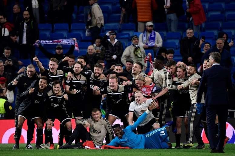 Les joueurs de l'Ajax qualifiés pour les quarts de finale. AFP