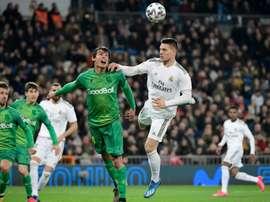 Jovic e Mariano, sem espaço no Real Madrid. AFP