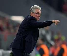 Heynckes defendeu o guardião da sua equipa, após erro que custou qualificação. EFE