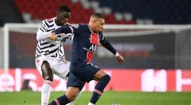 Tuanzebe fue la sombra de Mbappé en el PSG-United. AFP