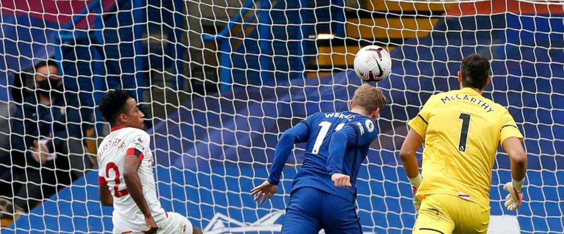 Chelsea e Southampton empataram no Stamford Bridge por 3 a 3. AFP