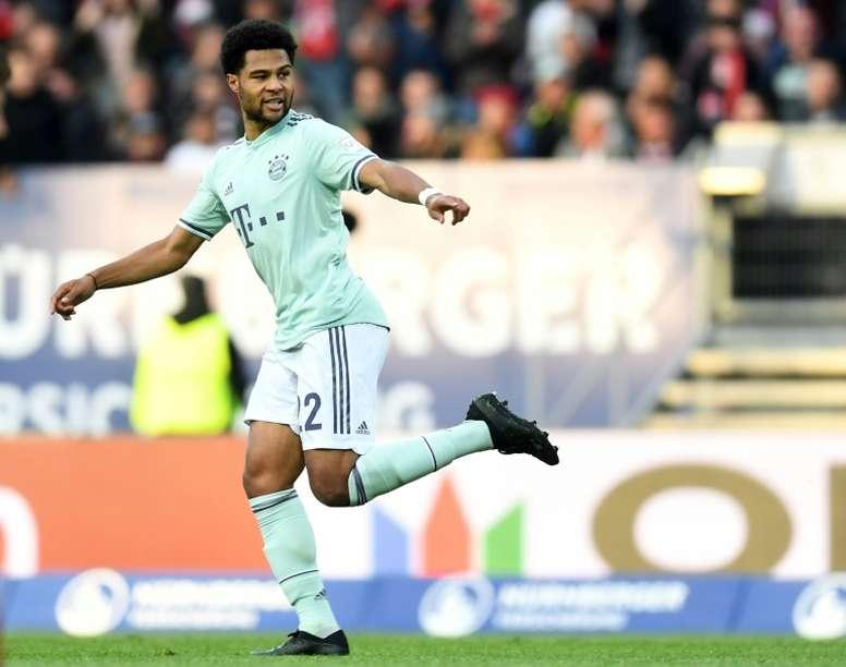 Arsene Wenger asegura que el Bayern manipuló a Gnabry. AFP