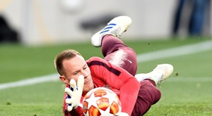 Ter Stegen does not agree that goalkeepers get bored. AFP