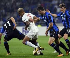 Empate a uma bola entre Lyon e Atalanta. AFP