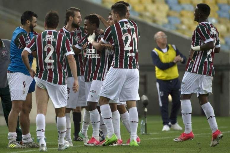 Wendel félicité par ses coéquipiers après son but contre Universidad Catolica. AFP