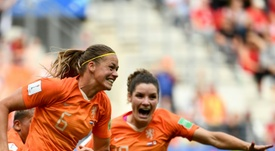 Holanda gana y pasa como líder; Canadá, segunda, también avanza a octavos. AFP