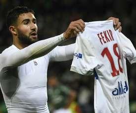 Fekir mostrou sua camisa à torcida rival. AFP