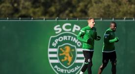 En el Sporting quieren que Mathieu continúe más allá de 2020. AFP