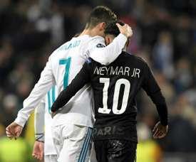 Para Rivaldo, a parceria entre Neymar e Cristiano seria importante para o luso. AFP