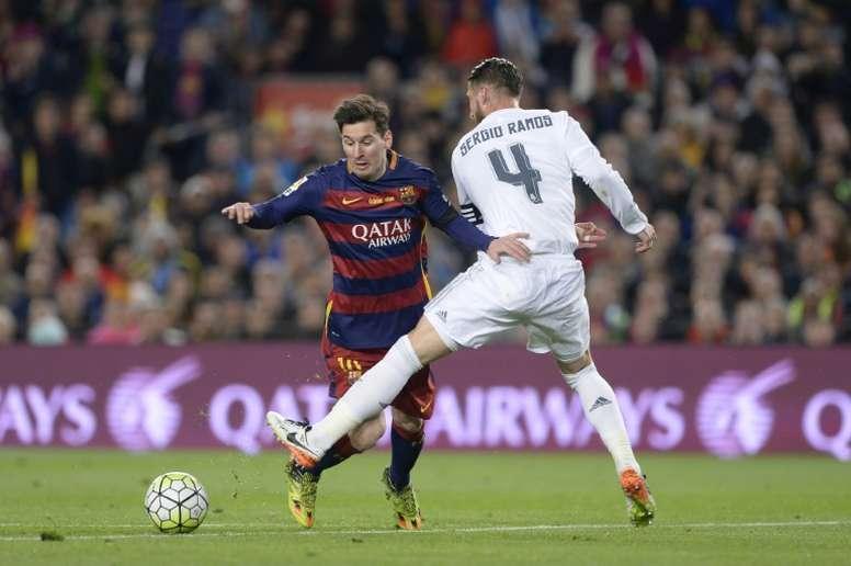 Messi e Ramos estão entre os atletas que mais disputaram jogos entre Barcelona e Real Madrid. AFP