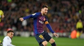 Coquelin estuvo impecable ante Messi. AFP