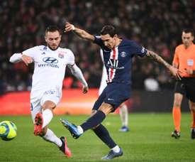 PSG e Lyon não têm nova data para disputarem o título. AFP