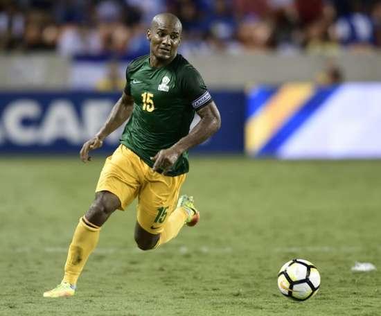 Florent Malouda s'échappe avec le ballon lors du match avec la Guyane française. AFP