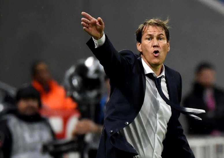 Gomis frena al Lyon en el debut de Rudi Garcia. AFP