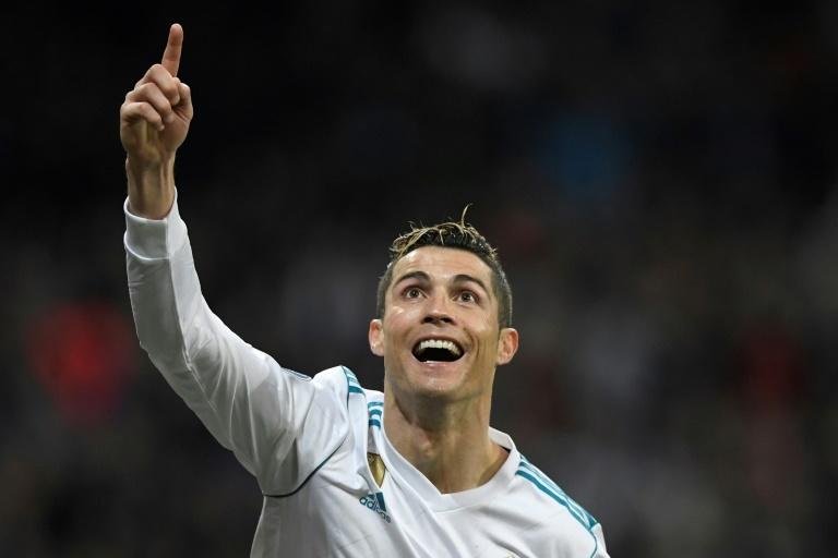 La tête rageuse de Ronaldo qui plie quasiment l'affaire — PSG-Real