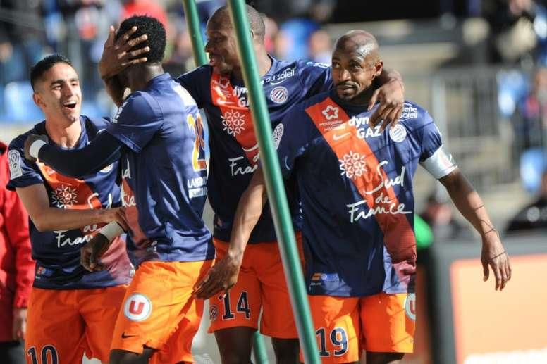 Les joueurs de Montpellier se congratulent après un but de Souleymane Camara face à Troyes, le 24 avril 2016 à La Mosson