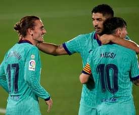 Escalações oficiais de Barcelona e Espanyol. AFP