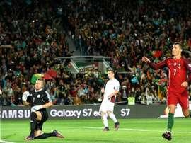 Le Portugal a dominé la Lettonie avec un doublé de Cristiano Ronaldo, en qualifs du Mondial. AFP