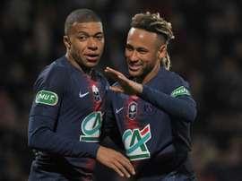 Rinviata la sanzione per Mbappé e Neymar. AFP