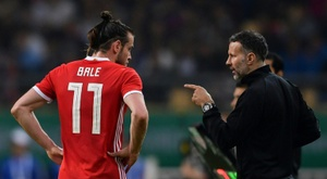 Giggs and Bale pictured in Cardiff. AFP