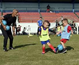 Enfants de l'US Jeumont, premier club de foot du défenseur de léquipe de France Benjamin Pavard. AFP
