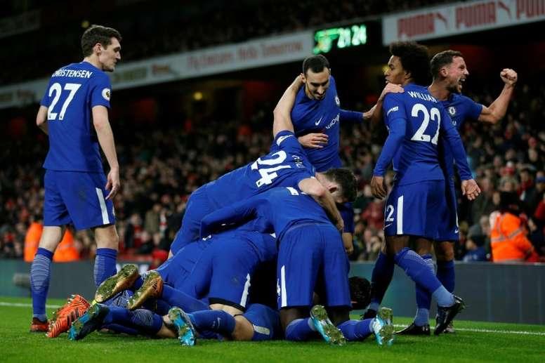 Les joueurs de Chelsea à la fête lors du derby londonien contre Arsenal en Premier League. AFP