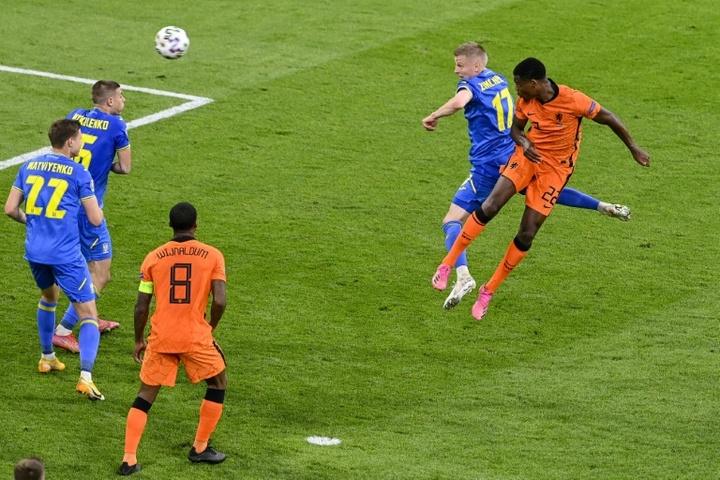 Golo da vitória holandesa frente à Ucrânia. AFP