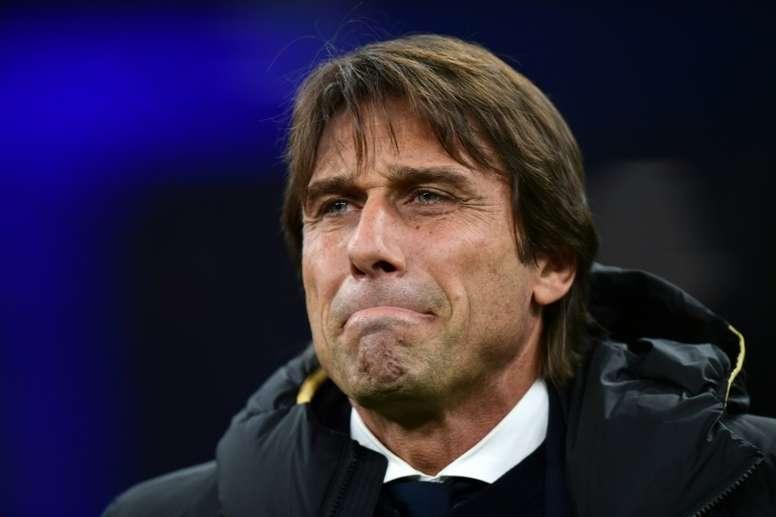L'entraîneur de l'Inter Milan Antonio Conte avant le coup d'envoi du match contre Vérone, en Serie A à San Siro, le 9 novembre 2019