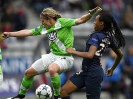 La joueuse du PSG Katoto à la lutte avec Blasse de Wolfsburg en demi-finales retour de la C1. AFP