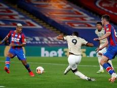 Manchester United et Leicester dans le sillage de Chelsea. AFP