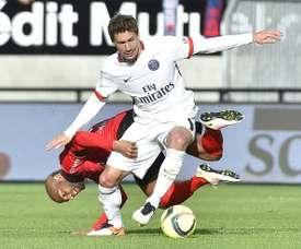 Stambouli pasó sin convencer por el PSG y acabó en el Schalke 04. AFP