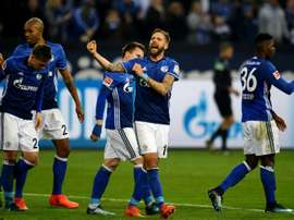 Schalke 04 bate Hamburgo. AFP
