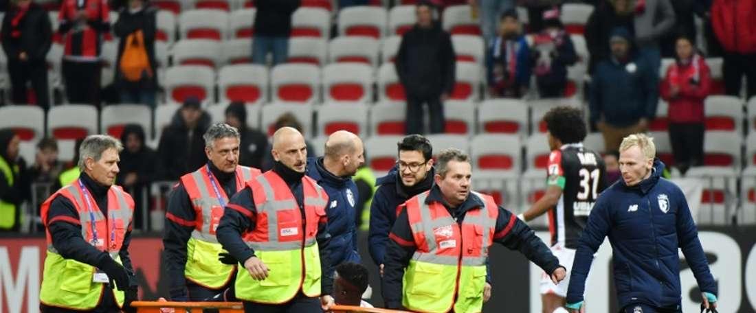 Edgar Ié sofre grande choque na cabeça. AFP